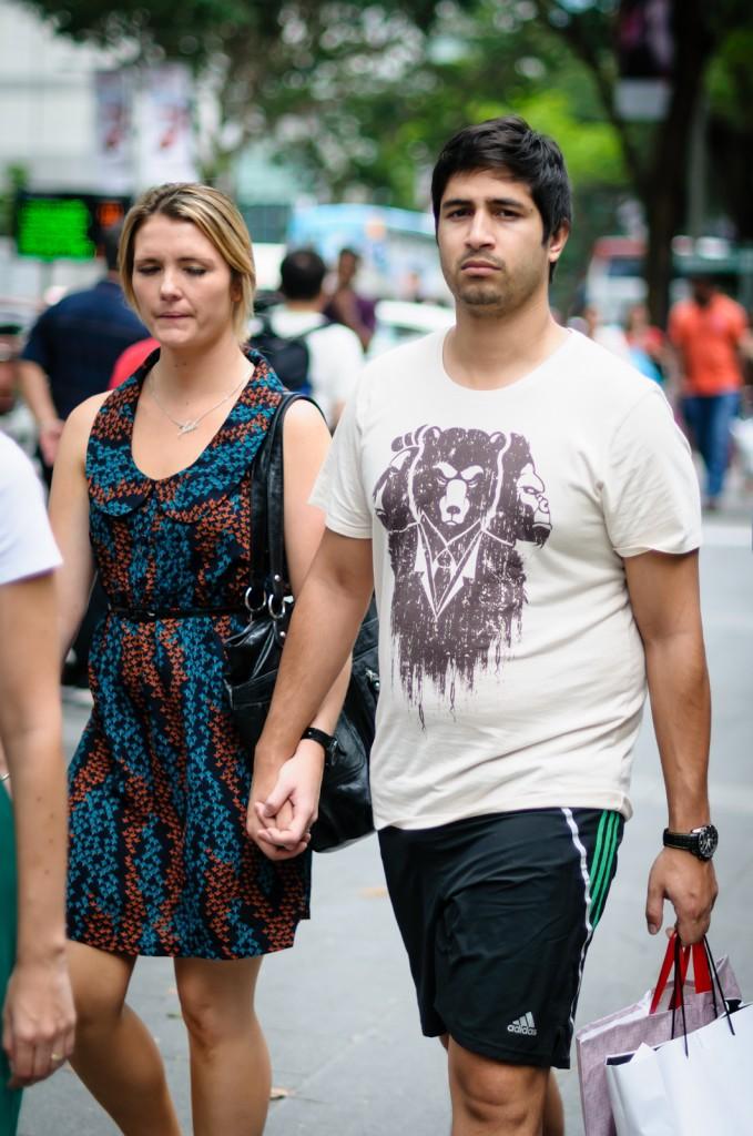 Street photography - man wearing a bear t-shirt