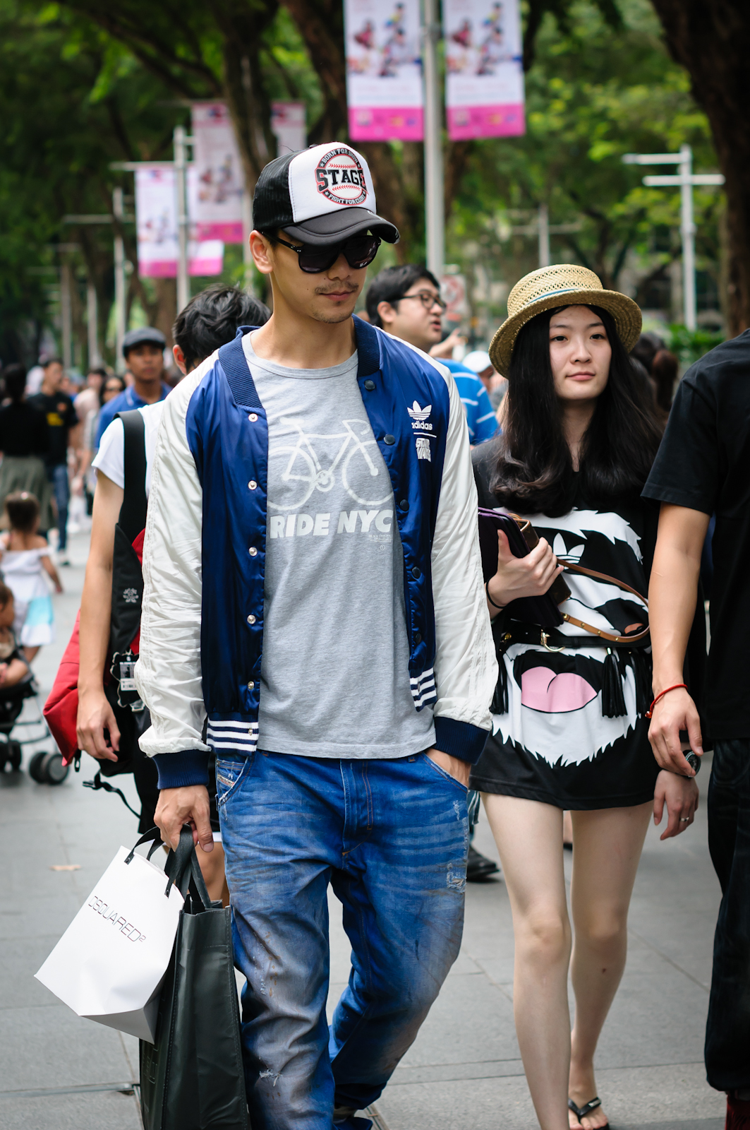 Street photography - Man in cap and woman in hat