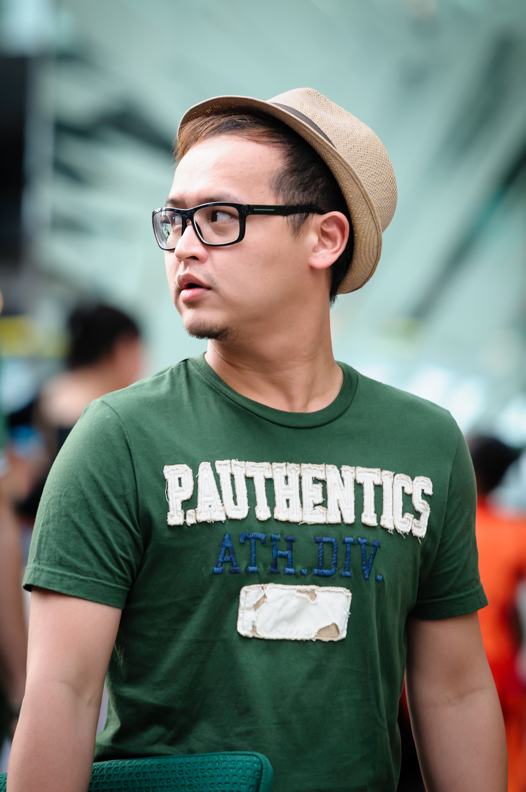 Street photography - Man wearing glasses and a hat