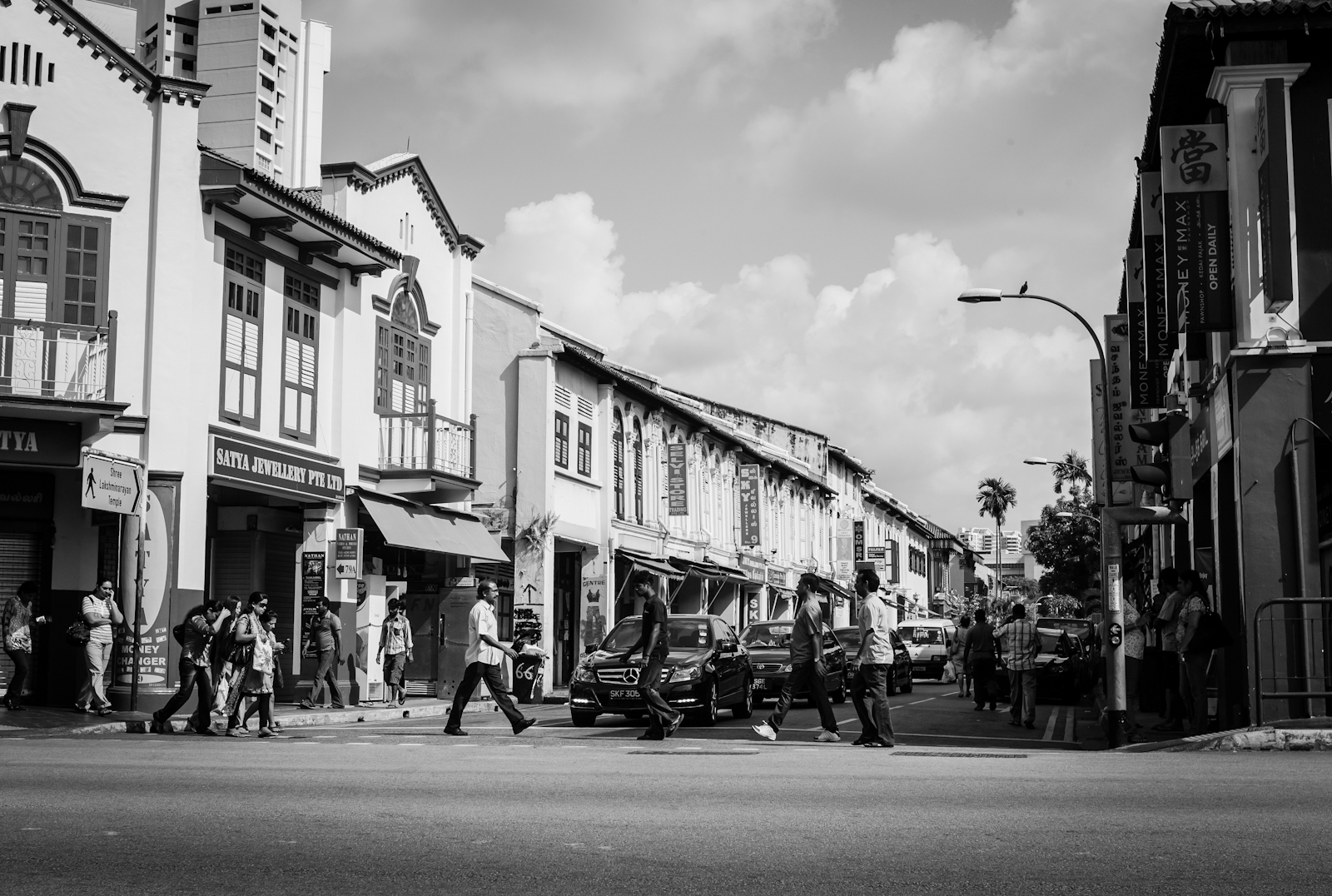 Street photography - Pedestrian crossing in Little India