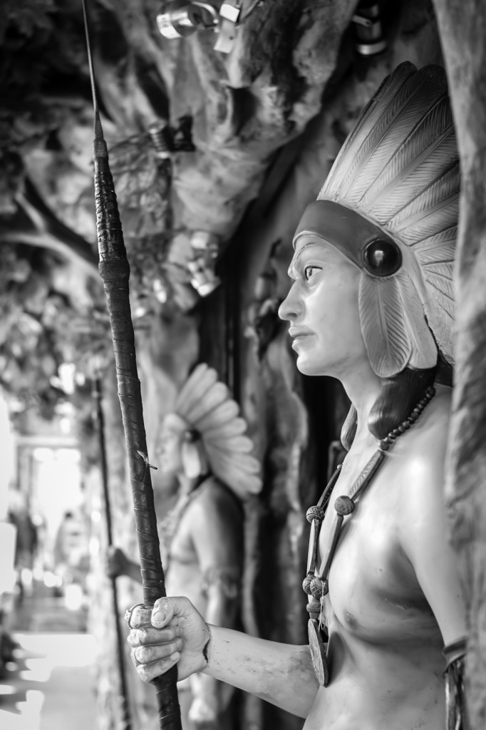 Street photography - Red Indian statue in Little India