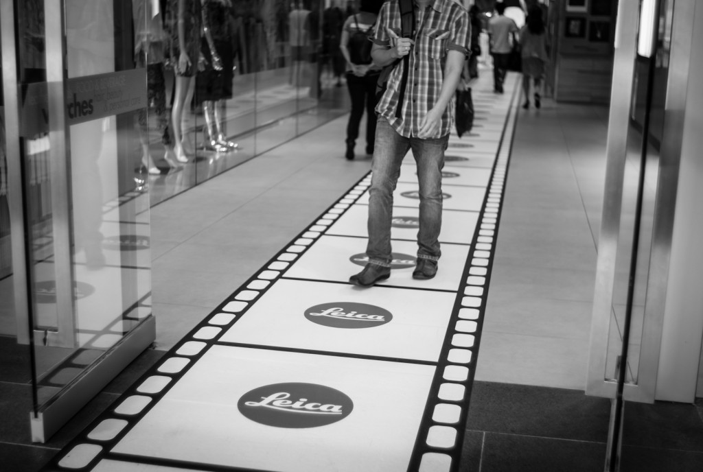 Street photography - Leica print on the ground